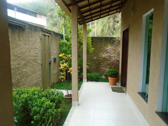 Casa Com 3 Quartos Para Comprar No Vale Suiço Em Ponte Nova/mg - 4031