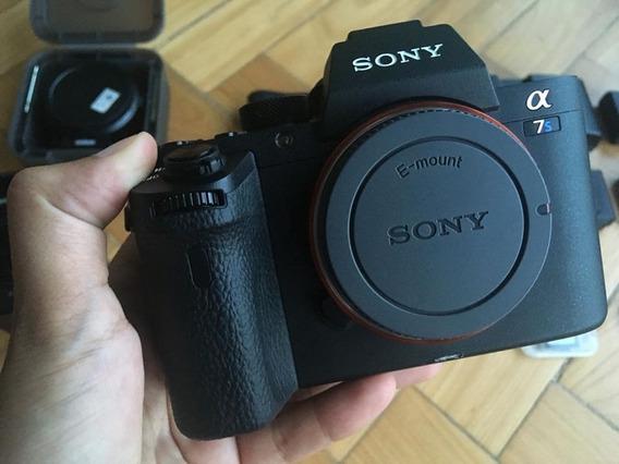Sony Alpha A7s2 (4 Baterias + Carregador)