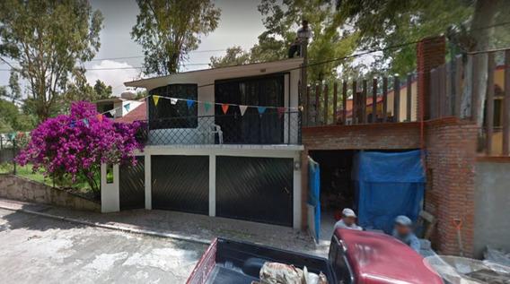 Casa Muy Amplia En Venta !!!