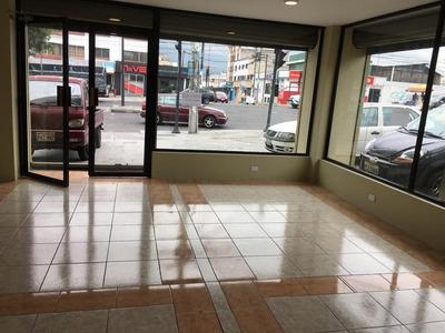 Local Comercial Esquinero Sector Norte De Quito