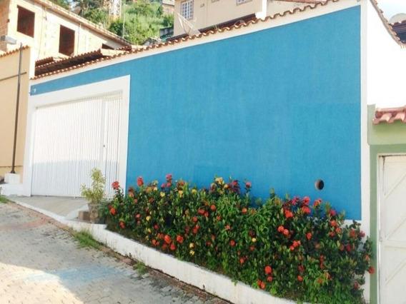 Caonze/nova Iguaçu. Casa 3 Quartos, (1 Suíte C/closet), 3 Banheiros, Quintal E 3 Vg. Garagem - Ca00538 - 32690826