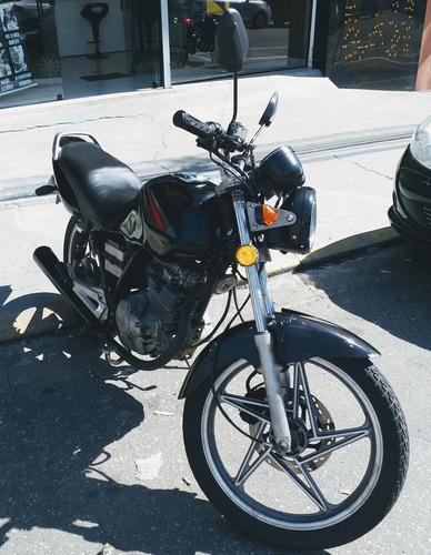 Imagem 1 de 4 de Yes 125  Suzuki En125 Yes