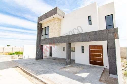 ¡venta De Hermosa Casa Nueva, En Fracc. Cerrado En Gomez Palacio, Dgo, Lista Para Habitar!