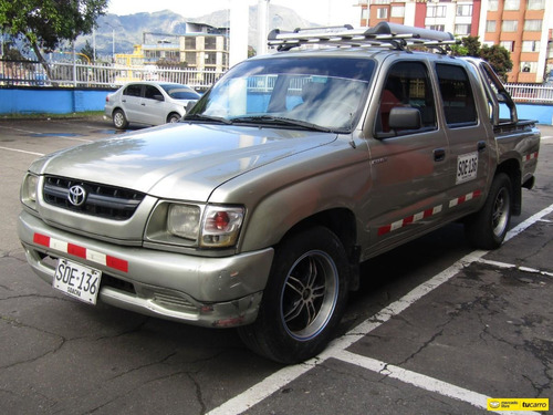 Toyota Hilux 2.4 Et
