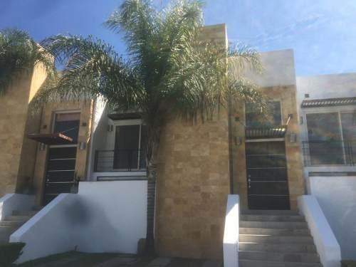 Casa 3 Hab+ Cuarto De Servicio En Juriquilla Santa Fe