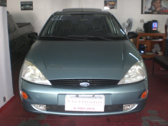 Ford Focus Sedan 2.0 Ghia Olf 4p 2001/2001
