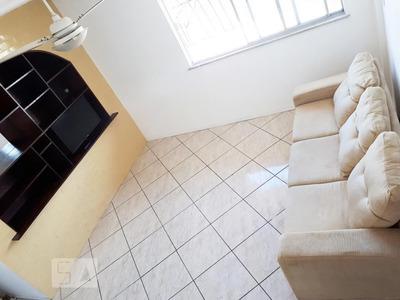 Apartamento No 4º Andar Mobiliado Com 2 Dormitórios E 2 Garagens - Id: 892933961 - 233961