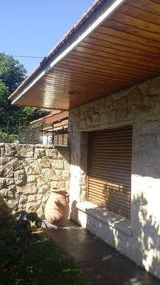 Casa 3 Dormitorio, 2 Baños Y Dependencia De Servicio.