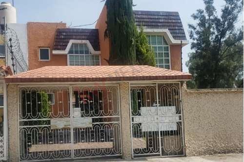 Imagen 1 de 11 de Baja Precio. Bonita Casa En Jardines Del Alba, Cuautitlan Izcalli, En Esquina, Amplio Jardin.