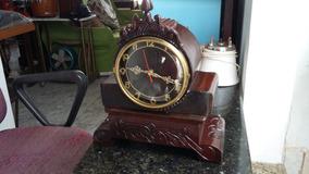 Lindo Relógio Antigo Com Maquina Quartz ( Pilha)