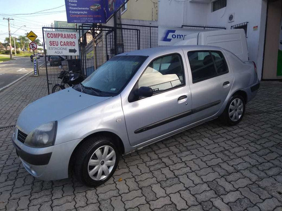 Renault Clio Sedan Authentique 1.0 2005
