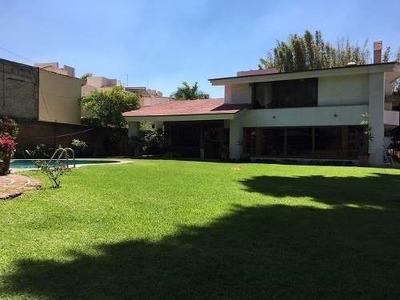 Casa En Venta En Av Pablo Neruda
