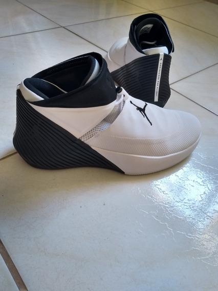 Raríssimo Tenis Nike Jordan I Not Zero.