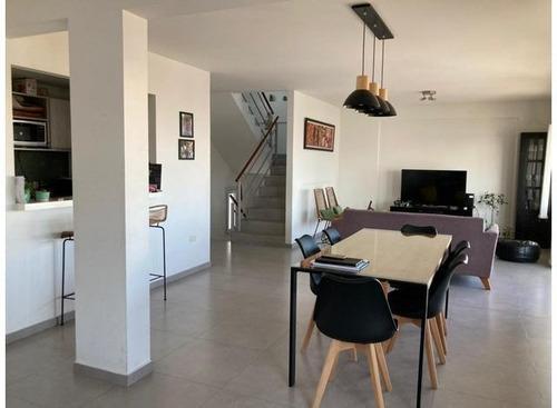Imagen 1 de 30 de Triplex Venta -3 Dormitorios-4 Baños-255tms2 Totales-cochera - La Plata