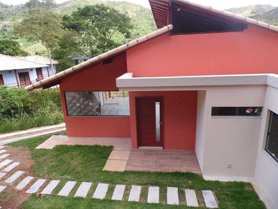 Excelente Casa Com 186 M² De Área Construída E 2.813m² Terreno! - F4785