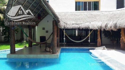 Casa En Venta En Álamos Cancún/las Quintas