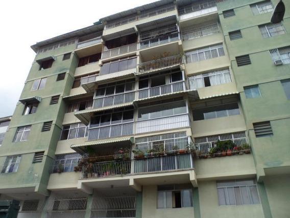 Apartamento En Vta Urb. 19-2703