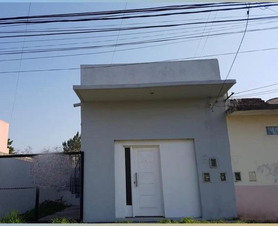 Casa De 2 Ambientes, Cochera Y Terraza
