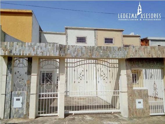 Townhouse En Yara Yara