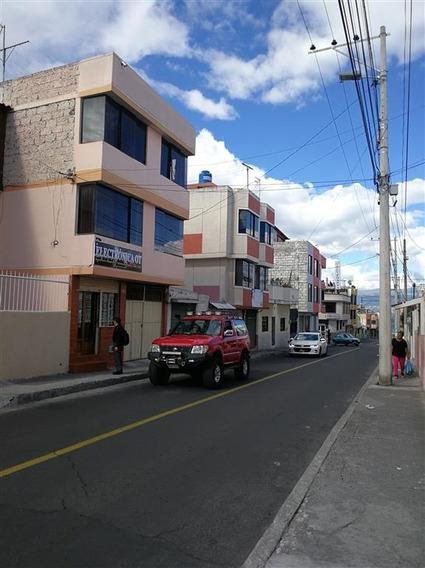Vendo Casa De Tres Pisos En Ambato Con Local Comercial