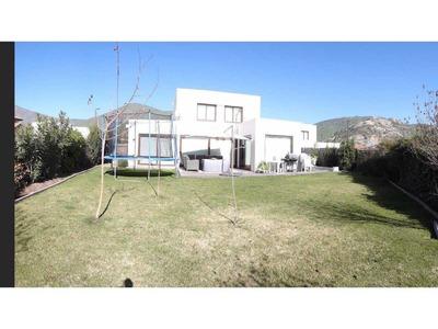Vende Hermosa Casa Mediterranea, Chicureo