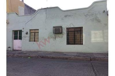 Casa Con Muy Buen Terreno En Colonia Juarez