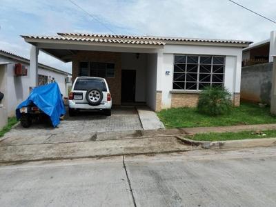 Vendo Casa En Ph Parques De Oviedo, Nuevo Arraiján 18-4094**