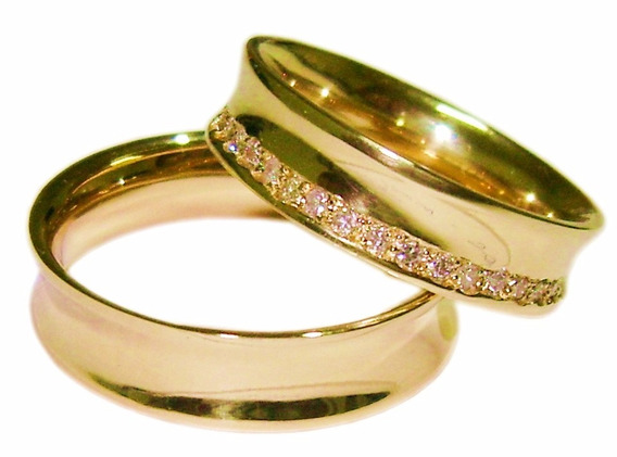 Par Aliança Ouro 18 K Anatômica 12 Gr 6,2 Mm 20 Diamantes 36