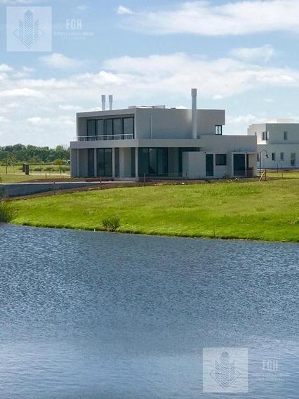 Casa Laguna En Naudir