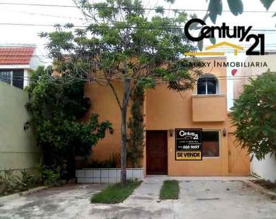 Hermosa Casa En Fraccionamiento Monterreal. Norte De Merida