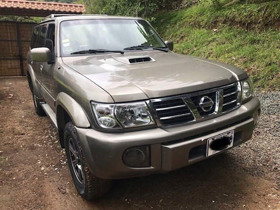 Vendo Nissan Patrol 2004 Exelente Estado Carro Familiar