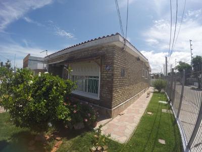 Casa En Venta En Brazo Oriental 2 Dormitorios 1 Baño Garage