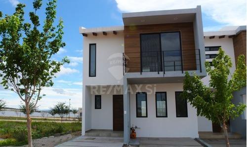 Casa Venta Cd. Maderas Cond. Oyamel
