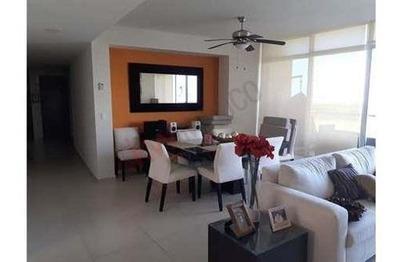 Departamento En Renta Completamente Amueblado, Equipado Y Con Blancos En Puerto Cancún