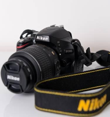 Câmera Nikon D5100 + Lente 18-55mm