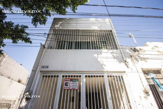 Casa En Venta En Americana Centro, Guadalajara