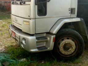 Ford Cargo 2422 - Ano 2009