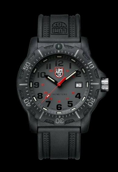 Relógio Luminox A.8802 Black Ops 200m Men