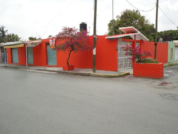 Venta Casa Amplia Con 3 Locales Comerciales En Esquina