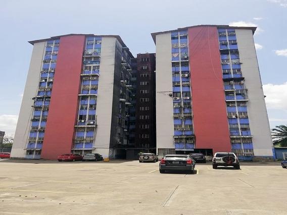 Apartamentos En Venta Avenida Orinoco Urb.el Roble