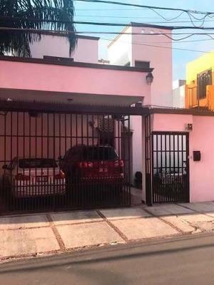 Casa Remodelada En Fraccionamiento La Morena