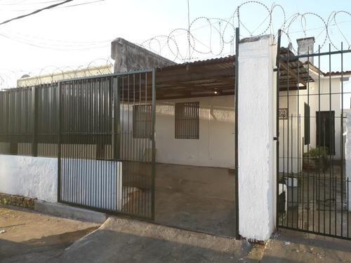 Casa En Alquiler, Zona De Colón.