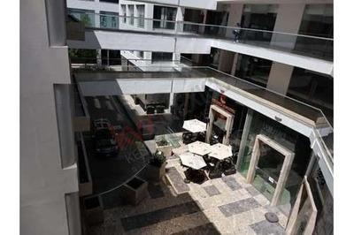 Vendo Local Comercial Ideal Para Oficina O Despacho O Consultorio, En Plaza Jazz, Sonata, Lomas De Angelópolis