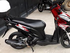 Honda Click 125i Negra Y Rojo