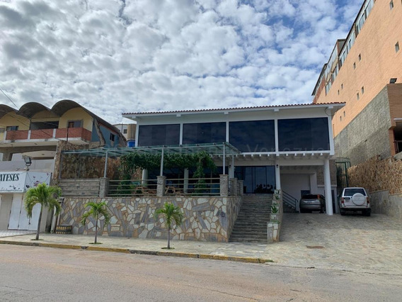 Rentahouse Chacao Vende Posada En Playa Grande Mls#20-24459