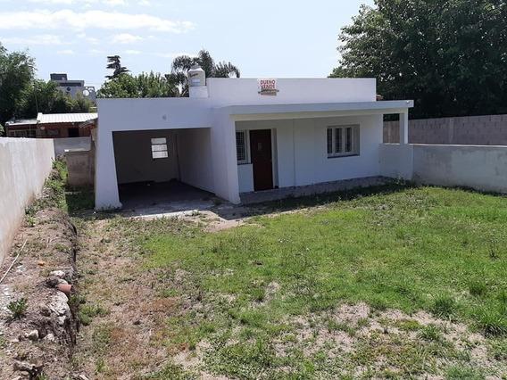 Venta Casa 2 Dormitorios En Villa Carlos Paz.