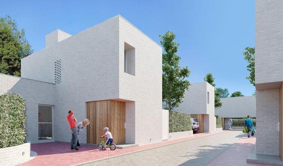 Casa De 2 Dormitorios En Hermoso Complejo En Fisherton