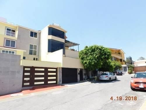 Casa Con Departamento Y Despachos Independientes En Arboleda