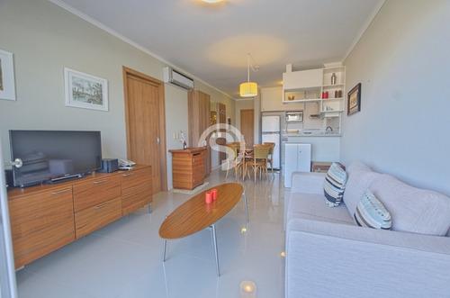 Apartamento En Playa Mansa- Ref: 3763