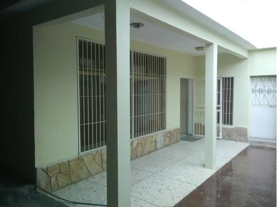 Vendo Casa En El Barrio Independecia Daniela 04144697067